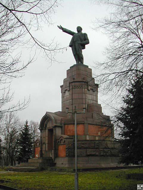 Эконом памятник Арка Ярославль памятник из гранита Комсомольск-на-Амуре